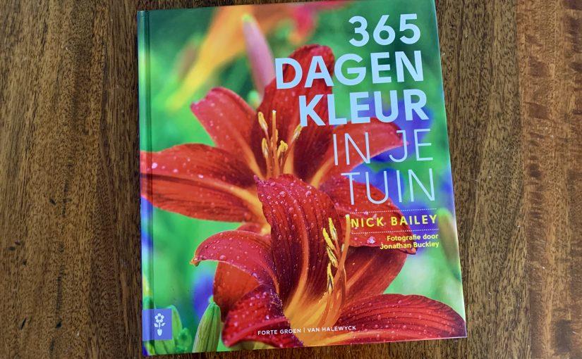 Boek '365 dagen kleur in je tuin'
